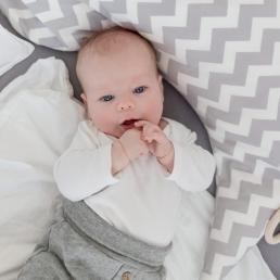 Baby bei Fotoshooting Homestory