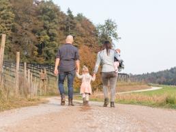 Familienfoto im Herbst