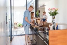 Familienfotos in der Küche bei Homestory