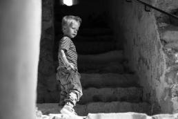 Bub bei Fotoshooting in Südsteiermark