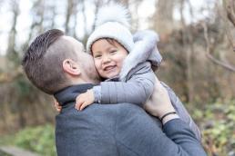 Papa und Tochter bei Familienshooting in Graz