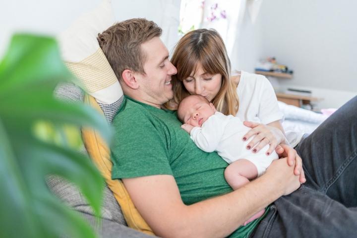 natürliche Babyfotos im eigenen Zuhause