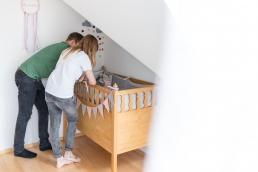 natürliche Babyfotos im Kinderzimmer